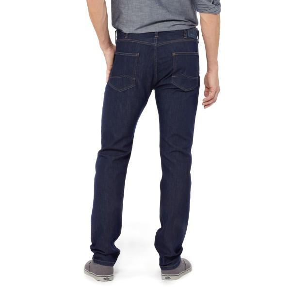 Patagonia Performance straight fit Jeans für Männer angezogen hinten dark denim